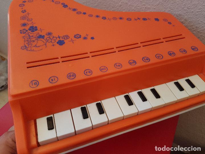 Juguetes antiguos: GRAN PIANO DE COLA JUGUETE CLAUDIO REIG INTRUMENTOS MUSICALES PLASTICO 12 NOTAS JUGUETES AÑOS 70 - Foto 2 - 89605904
