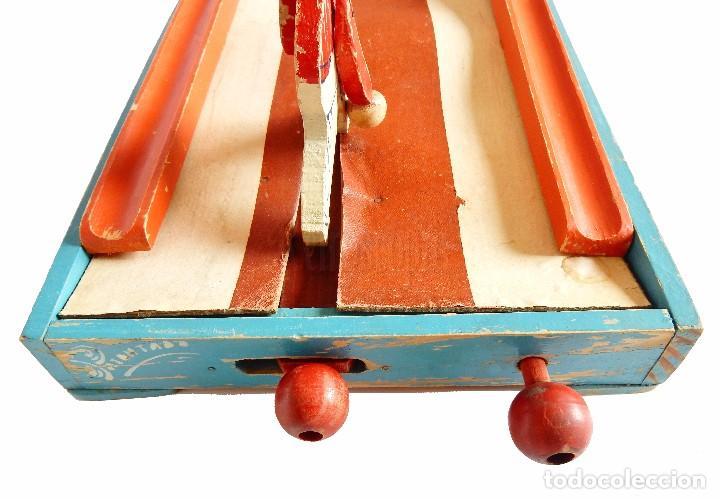 Juguetes antiguos: FANTÁSTICO Y ÚNICO JUEGO DE BOLOS DE MADERA DE DENIA. TIRA BOLAS. AÑOS 40 - Foto 12 - 90670340