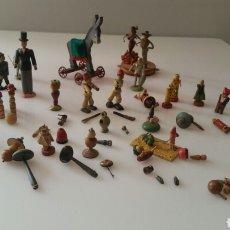 Juguetes antiguos: GOULA LOTE FIGURAS Y PIEZAS DE MADERA Y BARRO. Lote 93319753