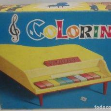 Juguetes antiguos: ANTIGUO PIANO DE COLA COLORIN, DE GUILLEM, CON CAJA. Lote 96569871