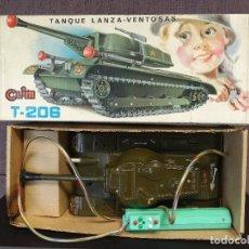 Juguetes antiguos: TANQUE CLIM T 206. Lote 97963947