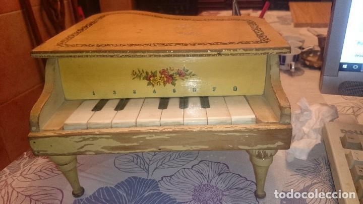 ANTIGUO PIANO DE MADERA . (Juguetes - Marcas Clasicas - Otras Marcas)