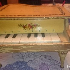 Juguetes antiguos: ANTIGUO PIANO DE MADERA .. Lote 105104315