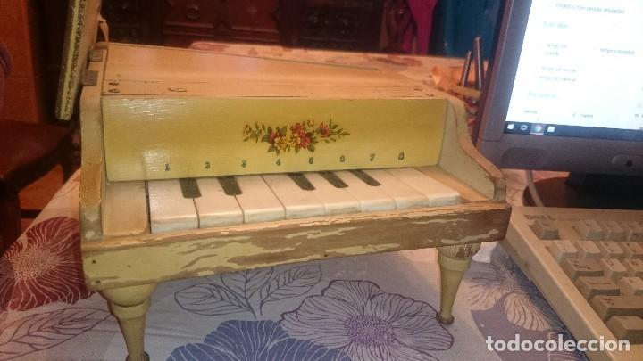 Juguetes antiguos: ANTIGUO PIANO DE MADERA . - Foto 8 - 105104315