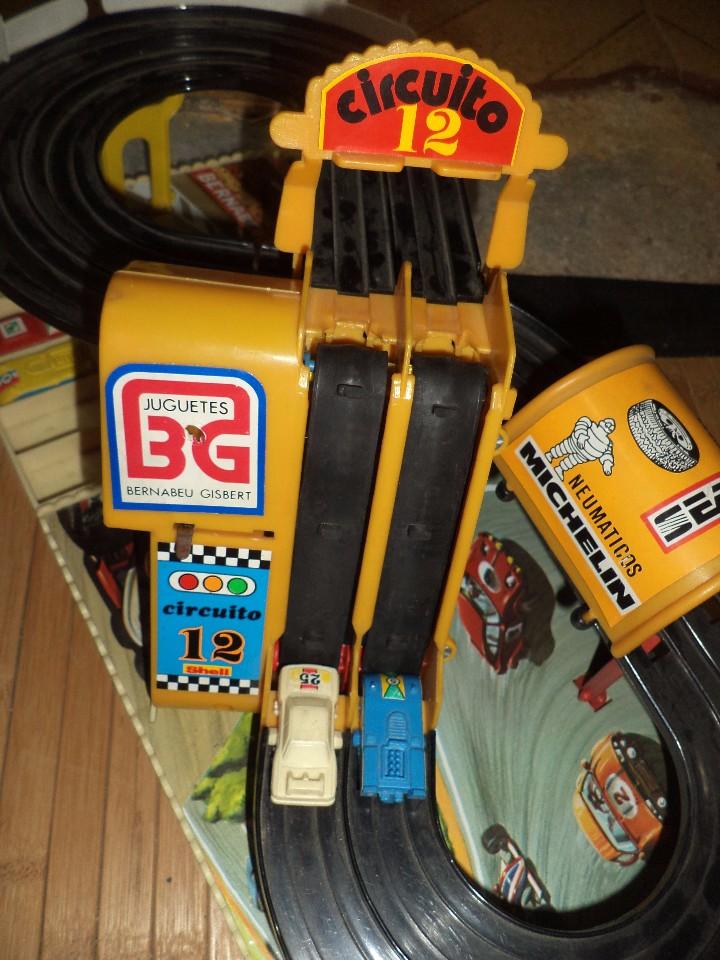 Juguetes antiguos: Circuito 12 de Bernabeu y Gispert.Circuito de coches años 70.Ref.610 Made in Spain. - Foto 4 - 105240143