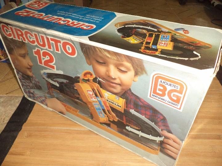 Juguetes antiguos: Circuito 12 de Bernabeu y Gispert.Circuito de coches años 70.Ref.610 Made in Spain. - Foto 5 - 105240143