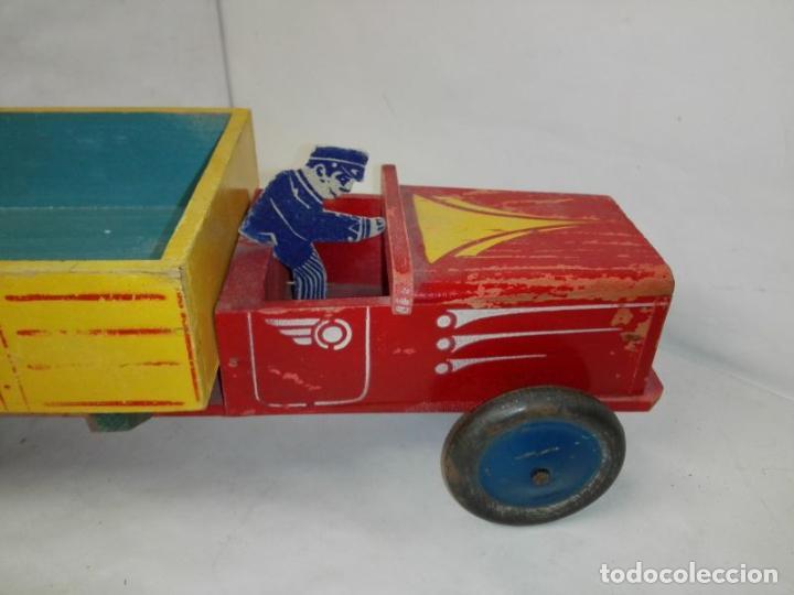 Juguetes antiguos: Camion de madera de Denia, con conductor, tamaño grande 42 cms. Buen estado. Años 40/50 - Foto 3 - 107111979