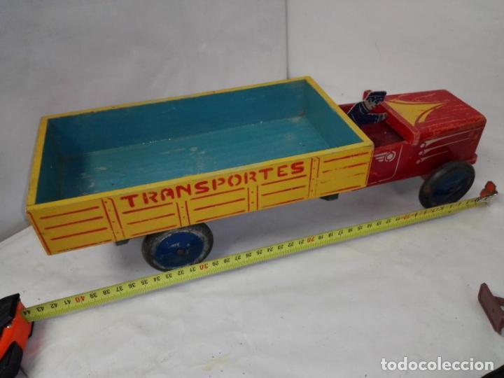 Juguetes antiguos: Camion de madera de Denia, con conductor, tamaño grande 42 cms. Buen estado. Años 40/50 - Foto 7 - 107111979