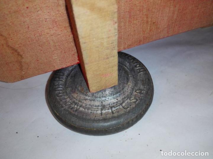 Juguetes antiguos: Camion de madera de Denia, con conductor, tamaño grande 42 cms. Buen estado. Años 40/50 - Foto 10 - 107111979