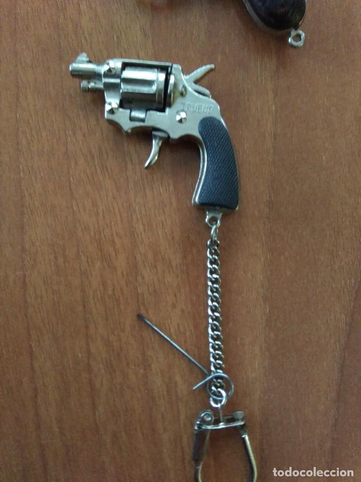Juguetes antiguos: Lote de antiguas pistolas detonadoras de juguete de la marca redondo - Foto 2 - 108450567