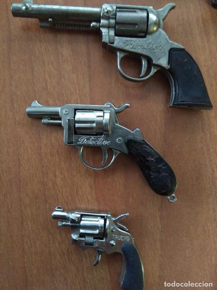 Juguetes antiguos: Lote de antiguas pistolas detonadoras de juguete de la marca redondo - Foto 3 - 108450567