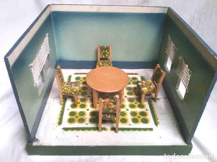 Juguetes antiguos: Diorama Comedor Denia, con 6 figuras, 4 silla y mesa, no jugado resto tienda - Foto 5 - 109960047