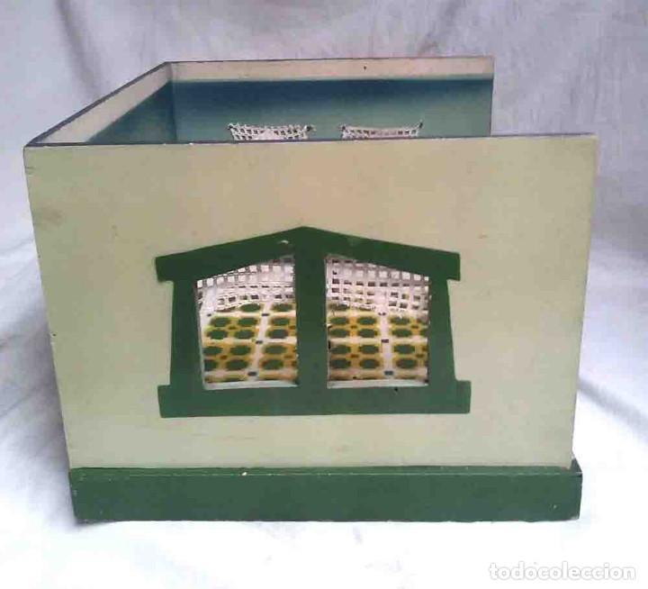 Juguetes antiguos: Diorama Comedor Denia, con 6 figuras, 4 silla y mesa, no jugado resto tienda - Foto 7 - 109960047