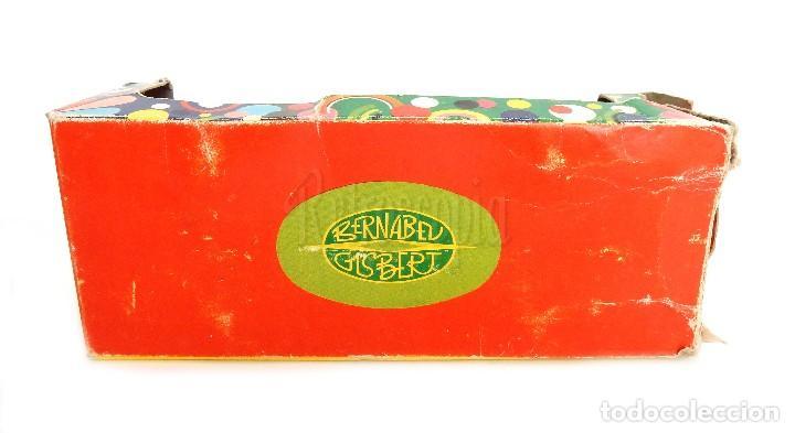 Juguetes antiguos: COCHE TIPO PORSCHE A FRICCION DE PLASTICO LANZA CHISPAS (LANZACHISPAS) DE BERNABEU GISBERT AÑOS 60 - Foto 10 - 114111199