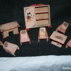 Juguetes antiguos: JUGUETES DE MADERA DE DENIA. DIBUJO DE MICKEY. 9 PIEZAS. ARMARIO 15,5 X 15 CMS. VER FOTOS. Lote 114224775