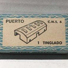 Juguetes antiguos: CAJA MINIATURAS DE ANGUPLAS MINI SHIPS PUERTO: 1 TINGLADO C.M.S. 6 AÑOS 60. Lote 117395139