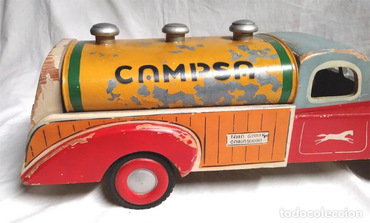 Juguetes antiguos: Camión Campsa Denia años 50 de Juan Forner Font de cuerda, Madera, Cisterna hojalata, completo. - Foto 8 - 118966235