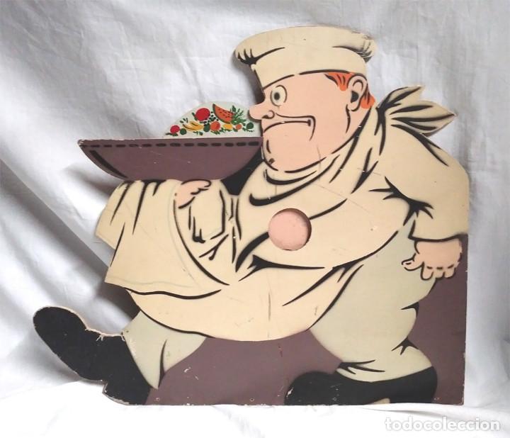 Juguetes antiguos: Cocinero Tragabolas Denia años 50, madera policromada, no jugado resto tienda. Med. 46 x 40 cm - Foto 2 - 119989123