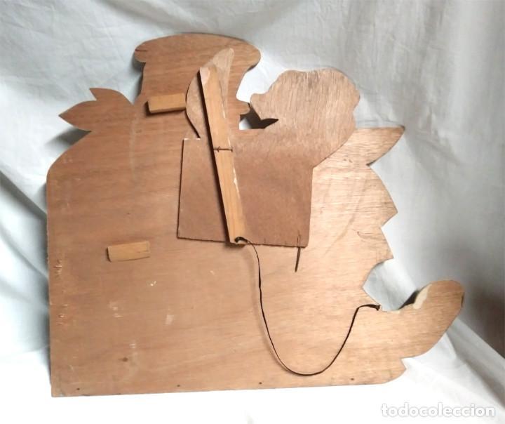 Juguetes antiguos: Cocinero Tragabolas Denia años 50, madera policromada, no jugado resto tienda. Med. 46 x 40 cm - Foto 3 - 119989123