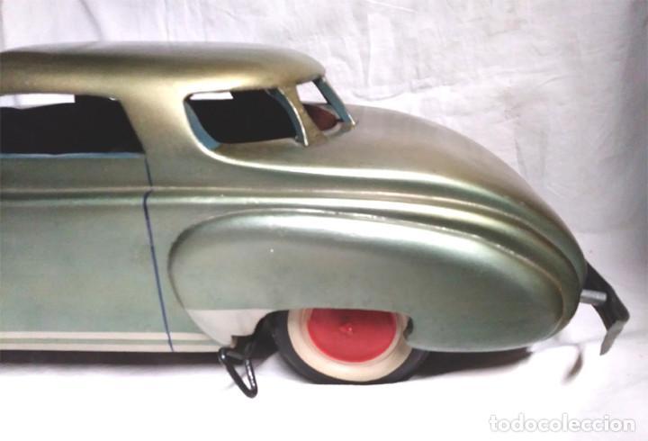 Juguetes antiguos: Sedan modelo grande con luces Juan Forner Font Denia de madera , no jugado resto tienda, años 40 . - Foto 3 - 122842355