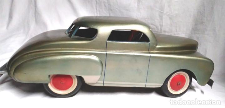 Juguetes antiguos: Sedan modelo grande con luces Juan Forner Font Denia de madera , no jugado resto tienda, años 40 . - Foto 9 - 122842355