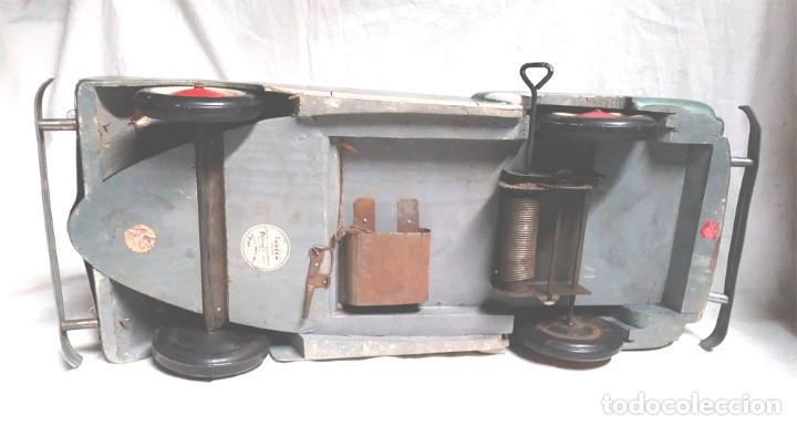 Juguetes antiguos: Sedan modelo grande con luces Juan Forner Font Denia de madera , no jugado resto tienda, años 40 . - Foto 14 - 122842355