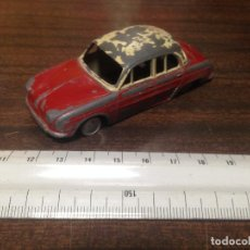 Juguetes antiguos: ANTIGUO COCHE JUGUETE ESCALA LION TOYS DAUPHINE RENAULT MADE IN SPAIN BY JEFE. Lote 128371903