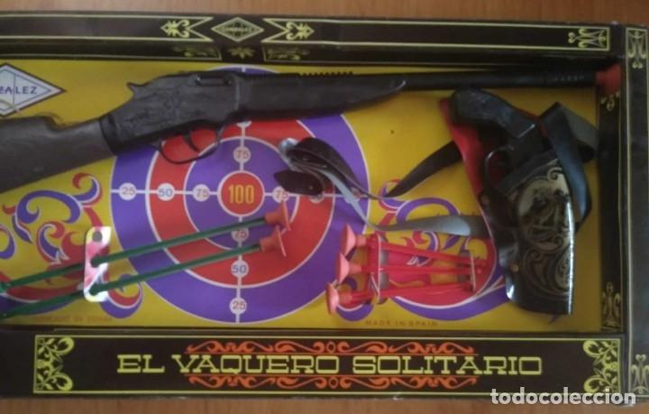 Juguetes antiguos: El vaquero solitario. Caja original. Rifle, revolver con cartuchera y complementos. Gonher Gonzalez - Foto 3 - 128638251