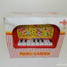 Juguetes antiguos: PIANO GARDEN MARCA REIG. REF 390. PIANO DE 8 TECLAS. ORIGINAL AÑOS 80/90. NUEVO!. Lote 129322083
