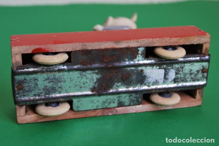 Juguetes antiguos: VAGONETA DE MADERA - CONEJO - VAGÓN TREN - JUGUETE DE ARRASTRE - TIPO GOULA - DENIA - AÑOS 50 - Foto 7 - 132456722