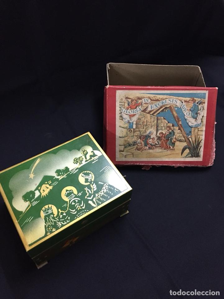 Juguetes antiguos: Antigua caja musical Reig, Nacimiento, belén y reyes magos. Años 40. Ibi, Alicante. Juguete antiguo - Foto 2 - 135950441