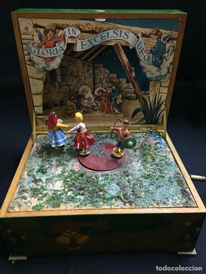 Juguetes antiguos: Antigua caja musical Reig, Nacimiento, belén y reyes magos. Años 40. Ibi, Alicante. Juguete antiguo - Foto 3 - 135950441