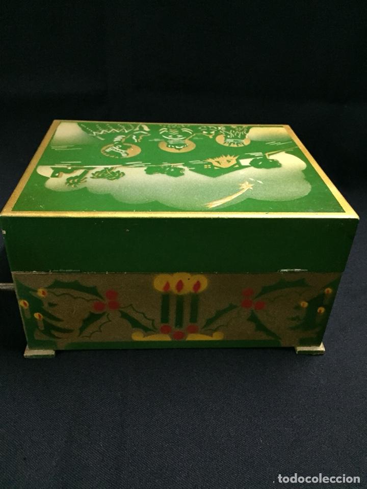 Juguetes antiguos: Antigua caja musical Reig, Nacimiento, belén y reyes magos. Años 40. Ibi, Alicante. Juguete antiguo - Foto 12 - 135950441