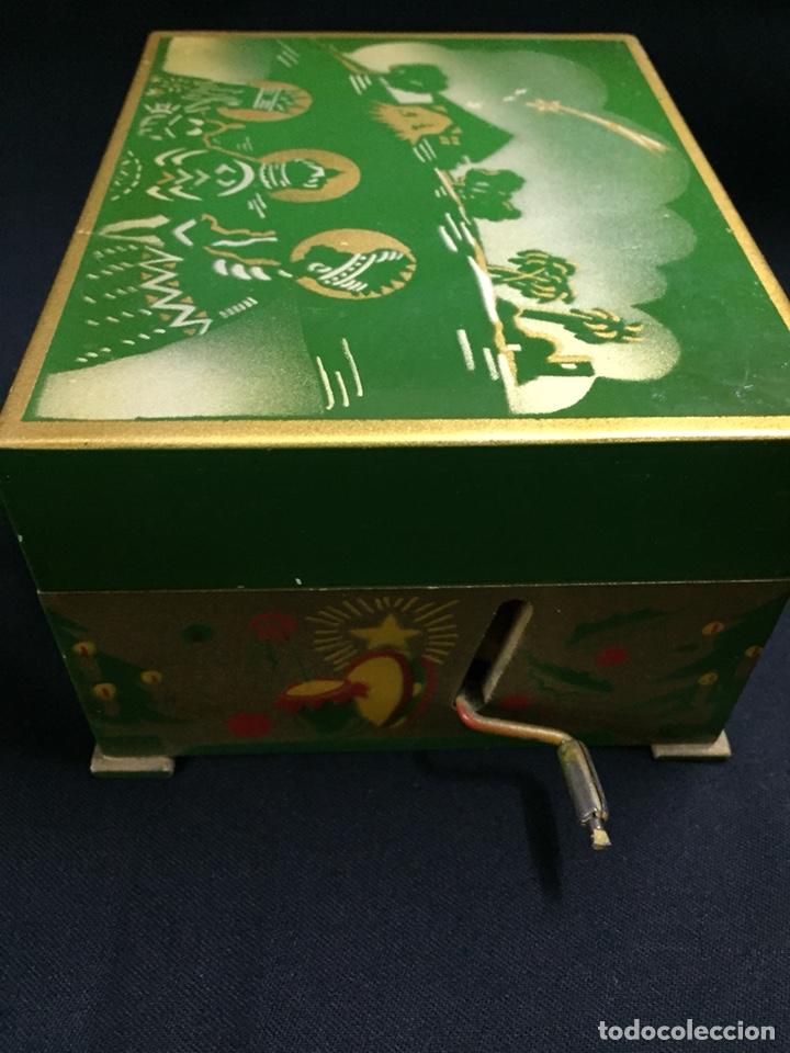 Juguetes antiguos: Antigua caja musical Reig, Nacimiento, belén y reyes magos. Años 40. Ibi, Alicante. Juguete antiguo - Foto 13 - 135950441