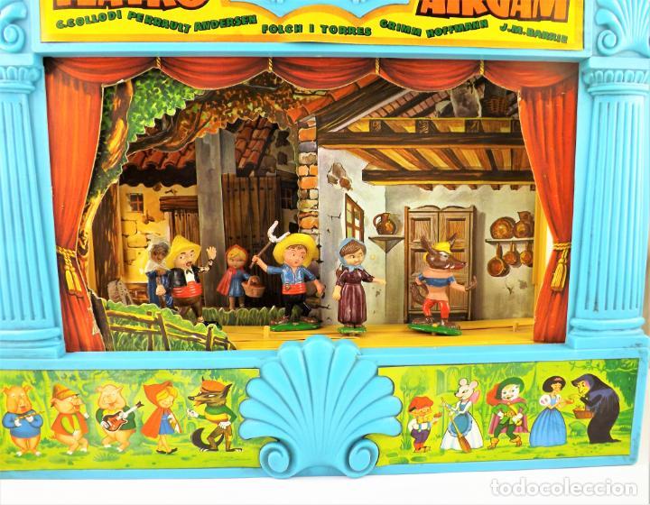 Juguetes antiguos: Airgam Gran teatro + Cuento completo y personajes de Caperucita Roja - Foto 2 - 138290282