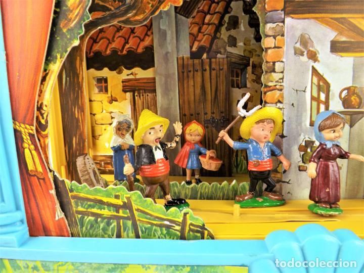 Juguetes antiguos: Airgam Gran teatro + Cuento completo y personajes de Caperucita Roja - Foto 3 - 138290282