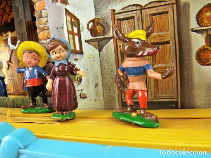 Juguetes antiguos: Airgam Gran teatro + Cuento completo y personajes de Caperucita Roja - Foto 6 - 138290282