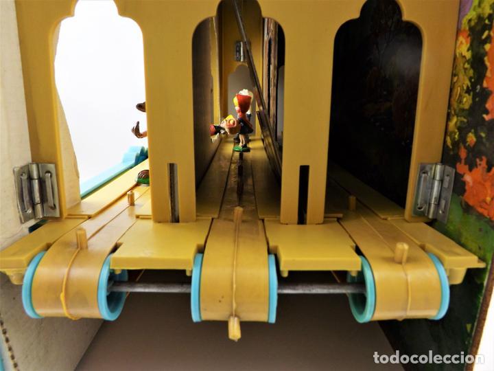 Juguetes antiguos: Airgam Gran teatro + Cuento completo y personajes de Caperucita Roja - Foto 8 - 138290282