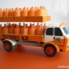 Juguetes antiguos: CAMION PEGASO REPARTO DE BUTANO MARCA JAVIS, AÑOS 60, RARISIMO Y EN BUEN ESTADO. Lote 140890598