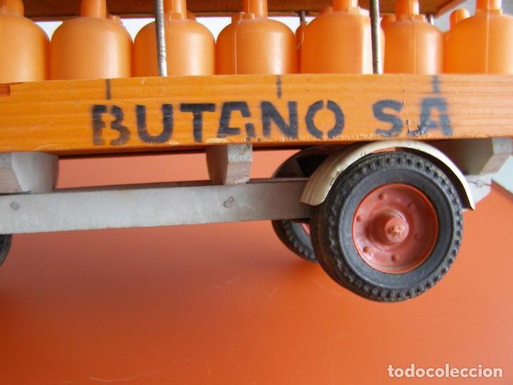 Juguetes antiguos: CAMION PEGASO REPARTO DE BUTANO MARCA JAVIS, AÑOS 60, RARISIMO Y EN BUEN ESTADO - Foto 6 - 140890598