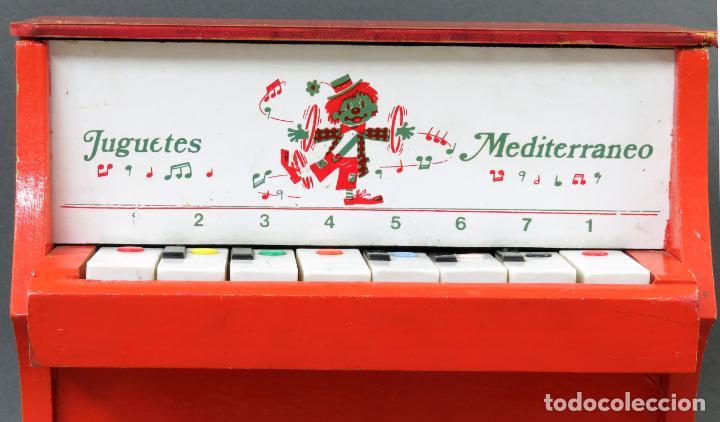 Juguetes antiguos: Piano madera y plástico Juguetes Mediterráneo años 60 - Foto 2 - 144118082