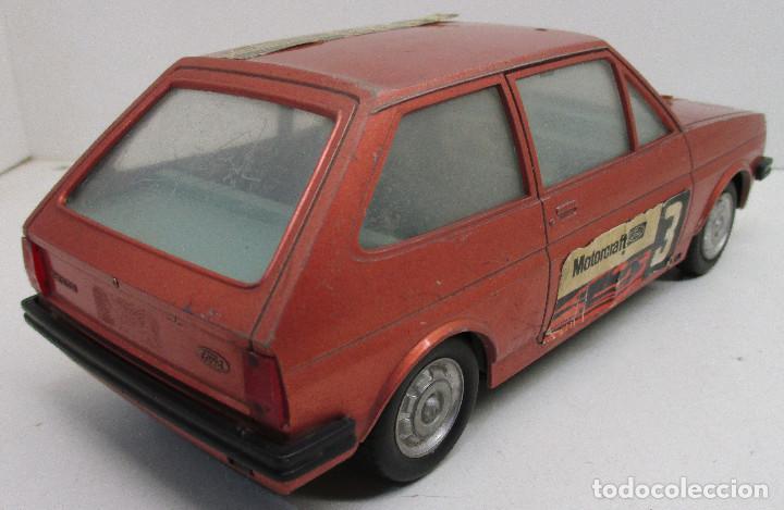 Juguetes antiguos: coche FORD FIESTA, de PLÁSTICOS ALBACETE P.A. , años 70-80, fricción - Foto 2 - 145769914