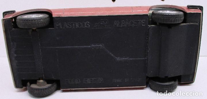 Juguetes antiguos: coche FORD FIESTA, de PLÁSTICOS ALBACETE P.A. , años 70-80, fricción - Foto 7 - 145769914