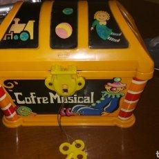 Juguetes antiguos: COFRE MUSICAL GEYPER. AÑOS 70. Lote 146730762