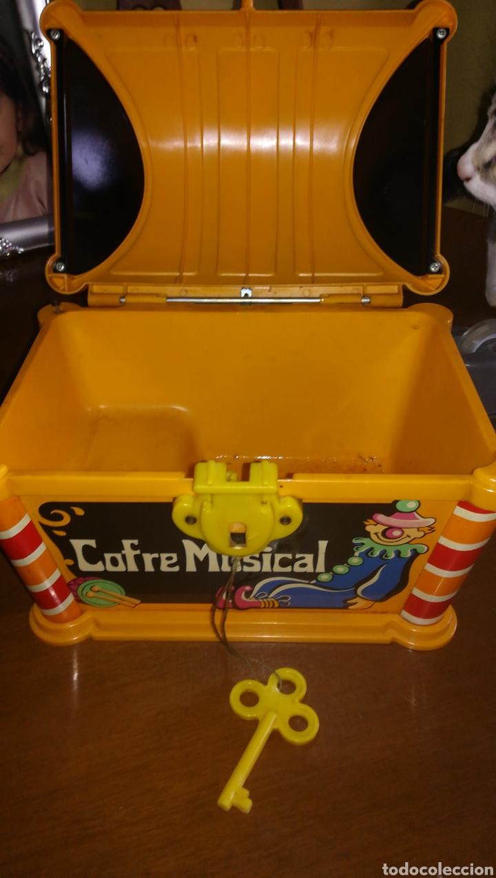 Juguetes antiguos: Cofre musical geyper. Años 70 - Foto 2 - 146730762