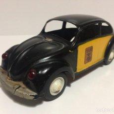 Juguetes antiguos: VW VOLKSWAGEN ESCARABAJO TAXI BARCELONA COMANDO VERCOR IBI REF402. Lote 146777942