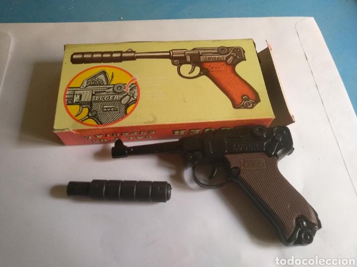 Juguetes antiguos: Pistola juguete Luger Cal 765 especial con silenciador ,marca AVC hecho en Ibi España - Foto 2 - 148773621