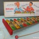 Juguetes antiguos: XIILOFÓN CON CAJA ORIGINAL, A ESTRENAR ,AÑOS 50. Lote 153432766