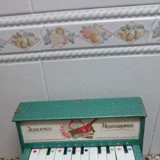 Juguetes antiguos: ANTIGUO PIANO JUGUETES MEDITERRANEO. Lote 157724594