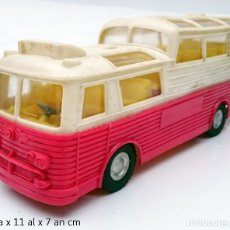 Juguetes antiguos: MAKS PLASTIC BUS TIPO PEGASO MONOCASCO PANORÁMICO A FRICCION MADE IN HONG KONG AÑOS 60/70. Lote 114880376